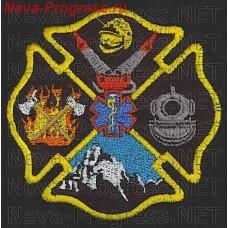 Нашивка Спасателей и пожарных США. В центре международный знак скорой помощи