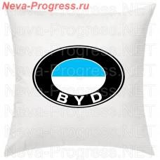 Подушка с вышитым логотипом BYD в салон автомобиля, размер и цвет выбирайте в опциях